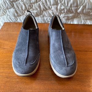 Duluth Trading Co slip on shoes blue suede 7